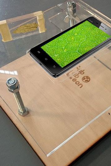 Microscopio creado a partir de una lente de lector de CD/DVD para un smartphone