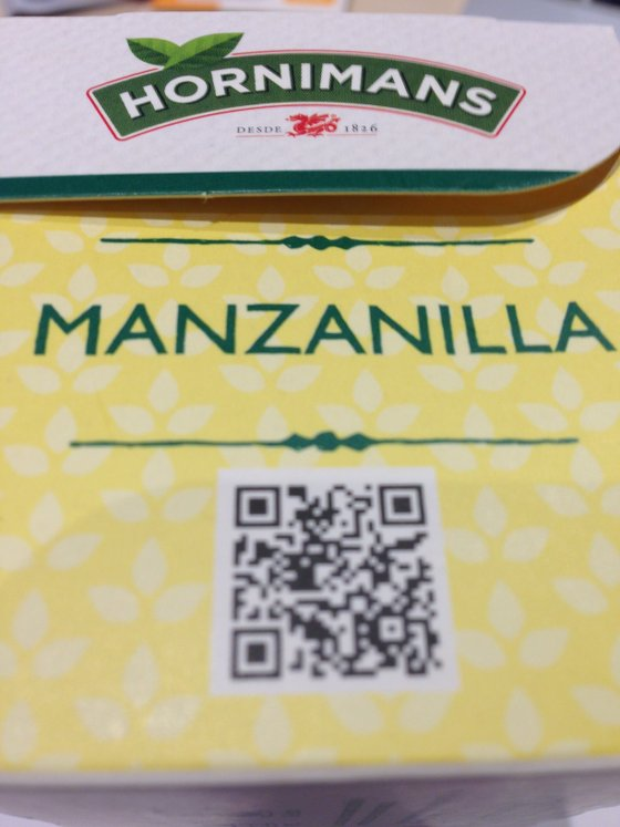Lateral del envase de manzanilla donde se encuentra el código QR