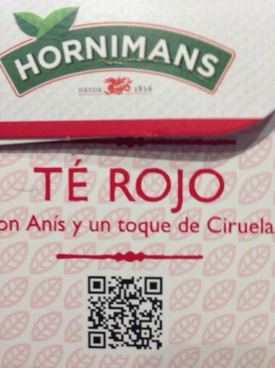Lateral del envase de té rojo donde se encuentra el código QR